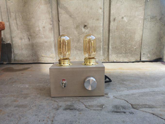 Radio Lampe Beton